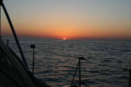 .... fahren der aufgehenden Sonne entgegen.