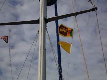 Die Gastlandflaggen wird gehist und  .....