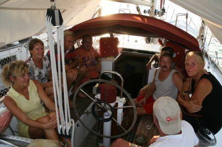 Nachdem alle unsere befreundeten Boote in Sri Lanka eingetroffen sind, gibt es eine Wiedersehensfeier.