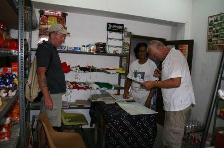 """An unserem ersten """"arbeitsfreien"""" Tag fahren wir zu Mike, der alles Moegliche fuer die Yachtleute organisiert. Er betreibt auch ...."""