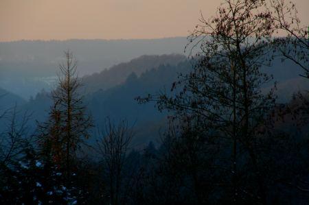 In Deutschland ist es auch schön. Von unserem Haus aus haben wir diesen wunderbaren Blick ins Tal.