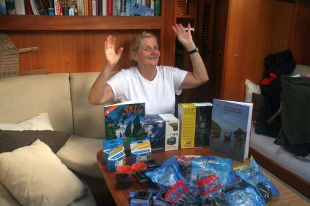 Es ist wie Weihnachten. Er bringt Berge von Lakritz und tolle neue Handbücher mit.