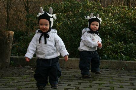 .... sind Neo und Ben. Beiden wohnen nebenan und sind die Kinder von Steffi und Johannes und die Enkel von Schwester Juliane und Schwager Jaap.