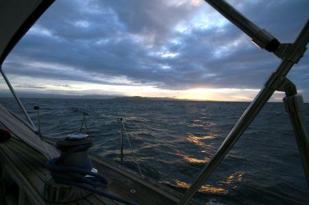 Fidschi im Morgengrauen in Sicht.