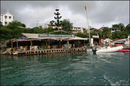14-yachtclub.jpg