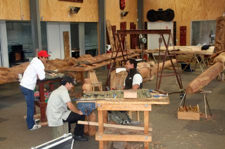 Schnitzschule für traditionelle Maori Schnitzereien.