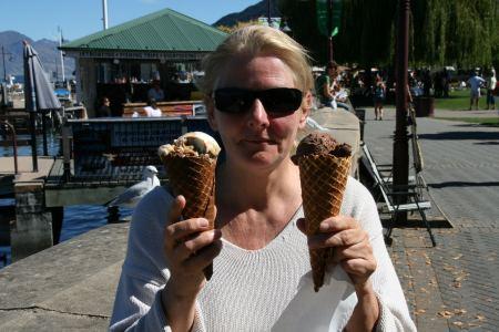 in Queenstown 15 Minuten Schlange stehen für ein leckeres Eis