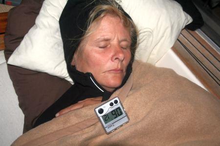 Eva hat Wache - Schlafen und Wachen im 20 Minuten Rhytmus.