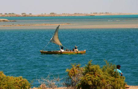 Es gibt auch kleine Segelschiffe in Suakin.