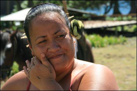 6-polynesierin-bei-cocostrockner.jpg