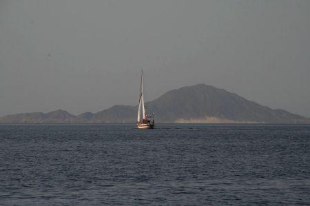 Bei ruhigem Wetter geht es weiter Richtung Port Ghalib in Ägypten.
