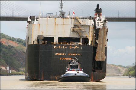 75-grosschiff-wird-von-tackboat-gesteuert.jpg