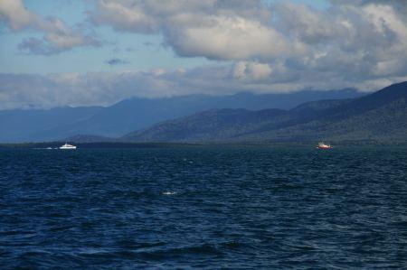 Langsam nähern wir uns der australischen Küste.
