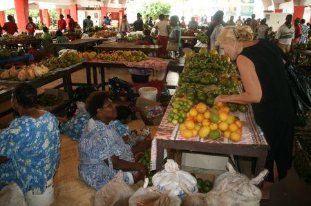 Ein wunderbarer Markt.  Nach der langen Reise auf See viele frische Sachen.