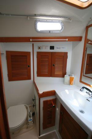 Bad Vorschiff mit Duschmöglichkeit