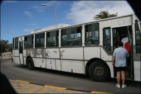 bus-in-curacoa.jpg