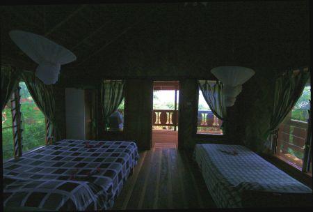 Das ganze Häuschen besteht aus Holz und ist mit viel Liebe zum Detail eingerichtet und ....