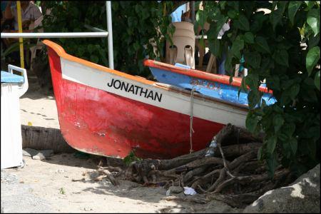 fischerboot-unter-mangro.jpg